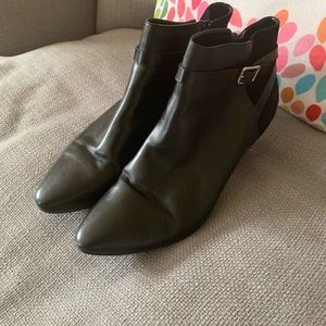Cole Haan Sylvan Ankle Bootie, Size 10.5, Like New